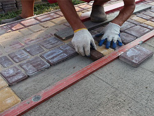 Тротуарная плитка: 3 вида подложки