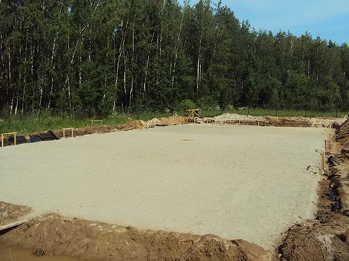 Какую подложку выбрать: бетонную или песчано-щебеночную?