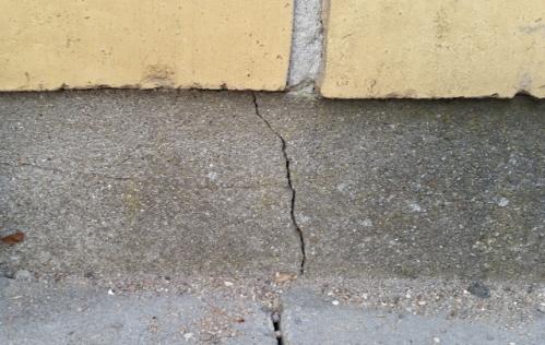 Морозное пучение грунта: как избежать повреждения фундамента?