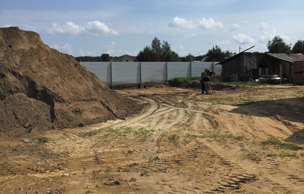 Доставка песка, щебня и планировка территории